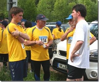 Men in Yellow_klein